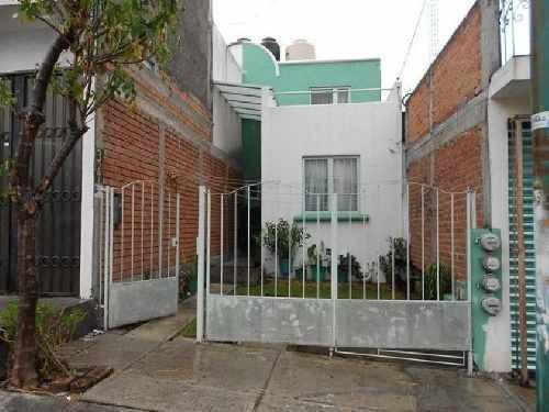 Casa En Venta En Morelia En Col. Peña Blanca