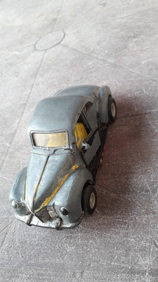 Ford Deluxe 1940 1500$