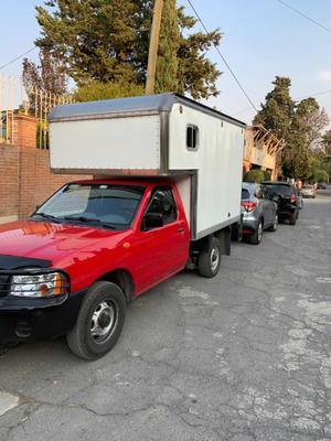 Renta De Camionetas De Carga Chofer Y Rampa Hidraulica