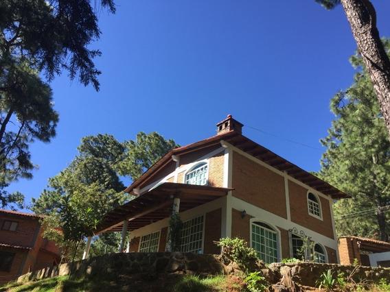 Cabaña A La Orilla Del Bosque Con Espectacular Vista