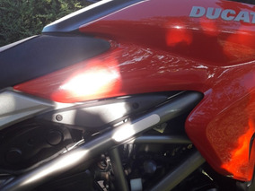 Ducati Hyperstrada 821 Unica