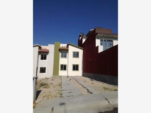 Casa Sola En Venta El Saucillo, Amplio Terreno , Excelente Ubicación Y Facilidad De Transporte.