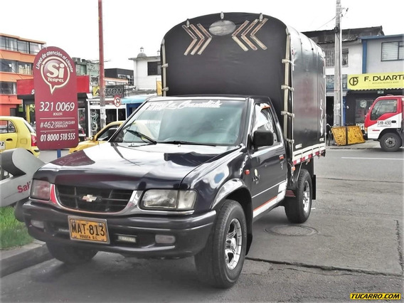 Chevrolet Luv 2300cc