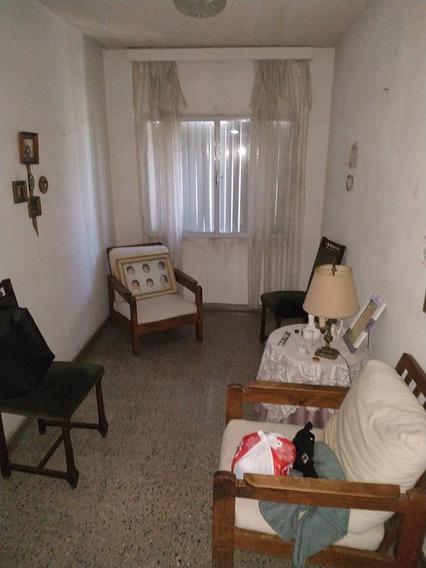 Apartamento 4 Dormitorios , Solo Para Vivienda,