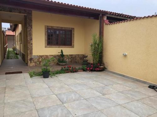Casa Com Piscina E 2 Quartos Em Itanhaém-sp | 7641-pc