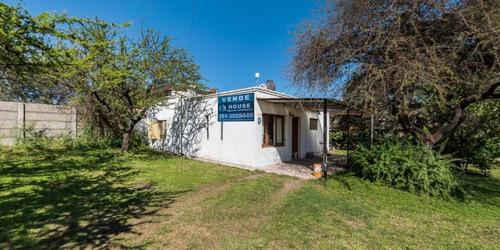 Imagen 1 de 20 de Vendo Casa Dos Dormitorios Talar De Mendiolaza Amplio Parque