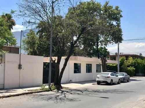 Casa Con Uso Comercial En Renta En Mitras Centro