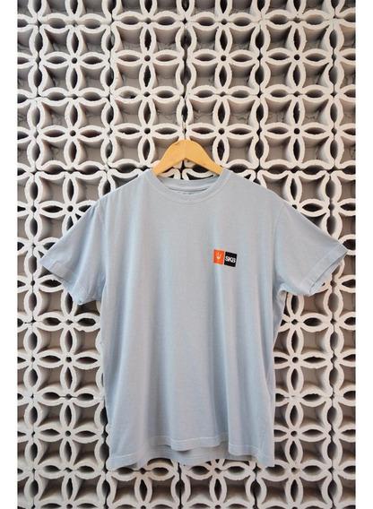 Camiseta Azul Claro Sk8camisetas