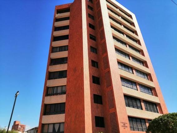 Apartamento Tipo Estudio En El Milagro Mls 20-23240ln