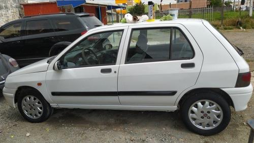 Imagem 1 de 8 de Renault Clio 1999 1.6 Rl 5p