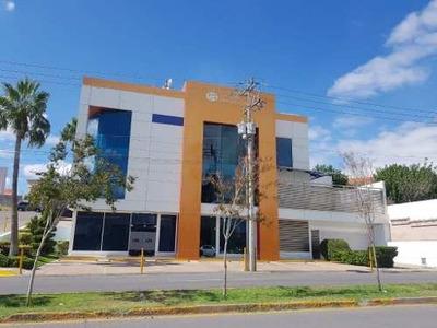 Edificio Con Acabados De Lujo!!!