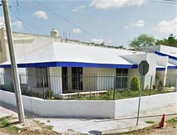 Casa Con Excelente Ubicacion, Col Alcala Martin, Merida