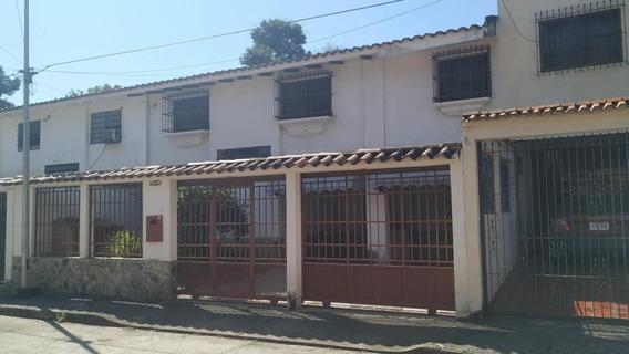Casa En Venta Los Sauces Valencia Cod20-11411 Gz