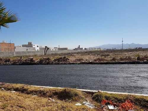 Increãble Terreno En Av Paseo De Los Horizontes Frrente A Oxxo En San Luis Potosã.
