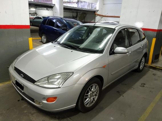 Ford Focus 2.0 Ghia 2003