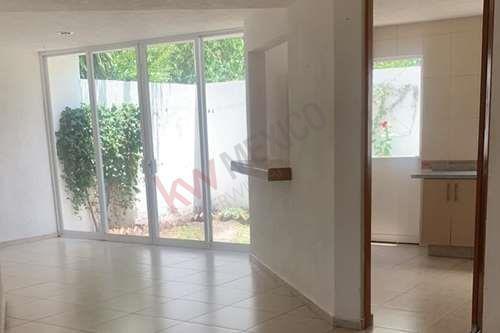 Renta De Casa Nueva En El Pueblito Querétaro $12,000