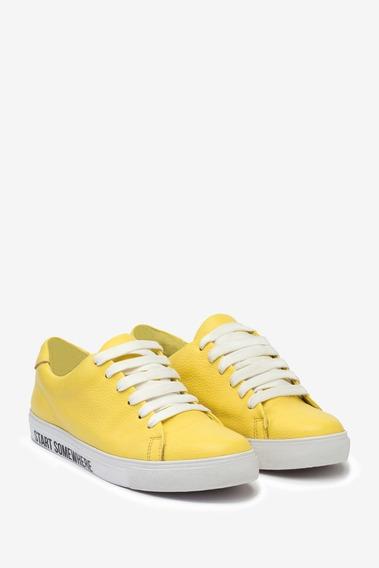 Calzado Tascani Frinch Amarillo