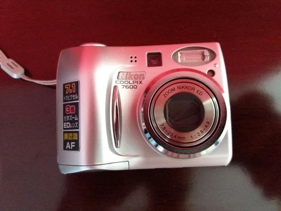 Câmera Fotográfica Digital Nikon Coopix 7600