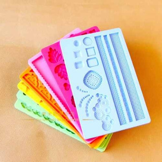 Kit 2 Molde De Silicone Para Decoração De Bolos E Cupcakes
