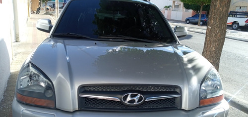 Imagem 1 de 1 de Hyundai Tucson 2010 2.0 Gl 4x2 5p