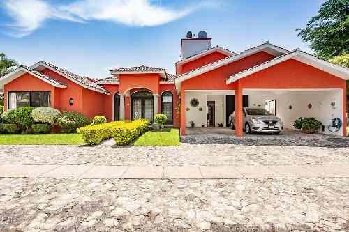 Venta De Casa En Fracc. Con Vigilancia, Sumiya Jiutepec, Morelosclave 2807