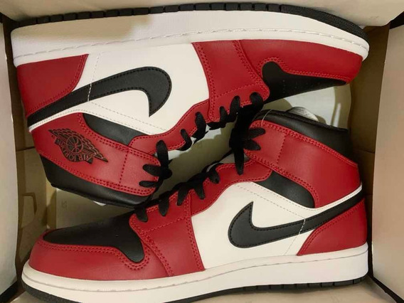 Air Jordan 1 Mid Chicago Toe