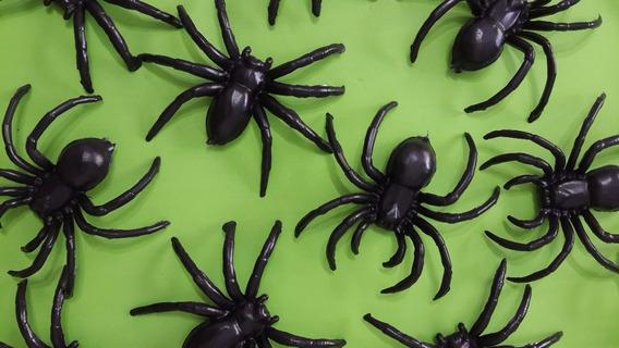 Halloween 6 Arañas Plasticas Grandes