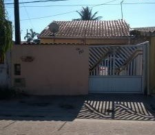 Casa Com 2 Quartos Na Praia, Centro Comercial, Parcela!