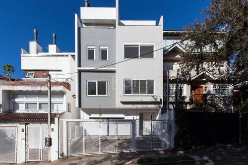 Casa Em Porto Alegre Com 3 Dormitórios - Lu430955