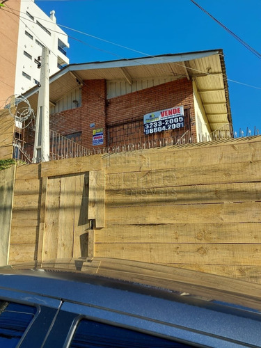 Imagem 1 de 9 de Terreno A Venda No Bairro Agronomica Em Florianopolis. - V-81577