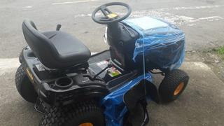 Tractor Para Cortar Zacate Marca Poulan