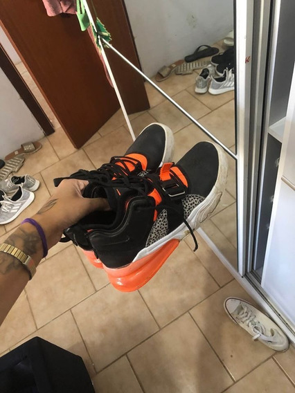 Tênis Nike Air Tam 37
