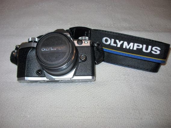 Olympus Omd 5 Mark Ii + Lente Zuiko 25 Mm 1.8 - Casi Sin Uso