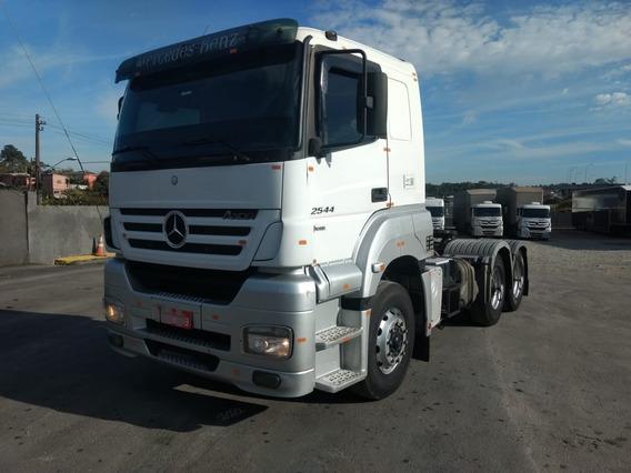 Mb Axor 2544 - 2011/2012 - Branco - Único Dono