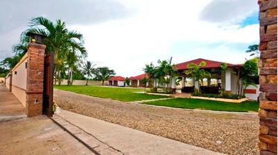 Hacienda Vacacional. Espaillat Moca