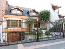 Cerrito 2479 - Chalet En San Martin 4 Habitaciones Pileta