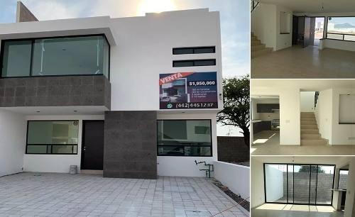 Preciosa Casa En Cañadas Del Arroyo, Jardín, 3 Recamaras, Estudio, Premium !!