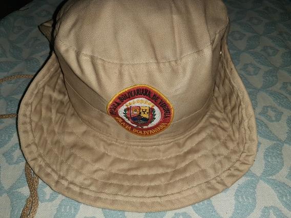 Gorras Militares Usadas Y Casco Para Trabajo Usado