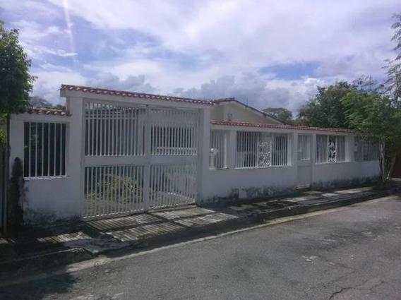 Casa En Venta - Alicia López