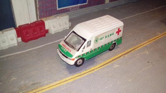 Ambulancia Same 1:64 Merced Welly Tipo Majorette Matchbox