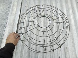 Antigua Rejilla Para Ventilador De Pie O Mesa 55cm Diametro X 18cm Prof.