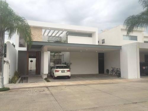 Comoda, Funcional Y Hermosa Casa En Privada Col Altabrisa