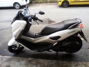 Yamaha Nmax 155 Blanco-gris