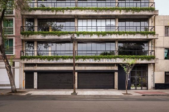 Loft Estilo Industrial Con Vista A Jardin