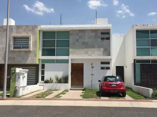 Casa Sola En Venta El Mirador (fraccionamiento)