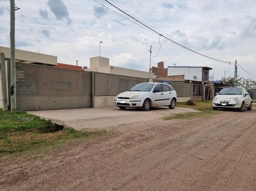 Imagen 1 de 14 de Casa En Funes City 2 Dormitorios 519 M2 De Terreno. Calidad