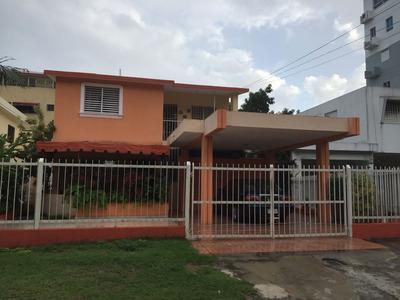 Casa En La Ave. Cayetano Germosén
