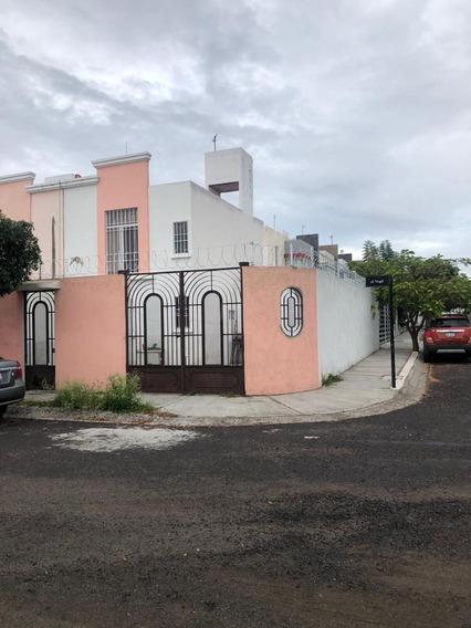 Casa En Renta En Pueblito Colonial