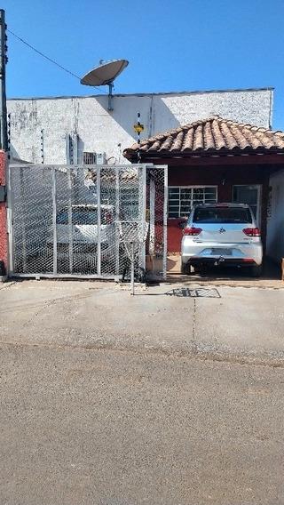 Casa Com 03 Quartos, Lajeada, Closet, Jd De Inverno, Etc.