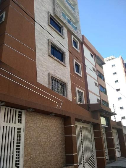 Apartamento En El Bosque 04145624656
